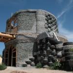 Earthship ház gumiabroncsból